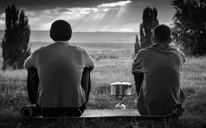 Friends Adventure Black & White Black And White Black And White Photography Black&white Blackandwhite Blackandwhite Photography Day Drink Leisure Activity Mans Men Nature Outdoor Photography Outdoors People Real People Rear View Relaxation Sky Togetherness Tourism Two Men Two Men Talking Two People