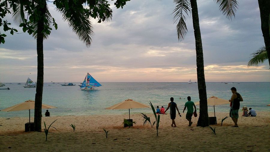 Summer Views Protecting Where We Play The Essence Of Summer- 2016 EyeEm Awards The Essence Of Summer. Essence Of Summer Boracay Philippines People Of The Oceans Enjoy The New Normal