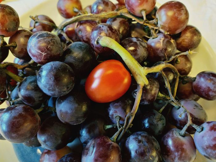 Grapes and Tomato Tomato Fruit Mediterranean Food Agriculture Close-up Food And Drink Red Grape Ripe