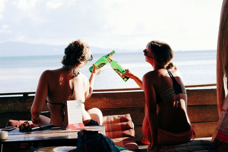 Togetherness Fun Young Women People Vacations Sky Beach Friendship Women Young Men Close-up Beer Beer Time Samui_Sunsets Samui_thailand Bar