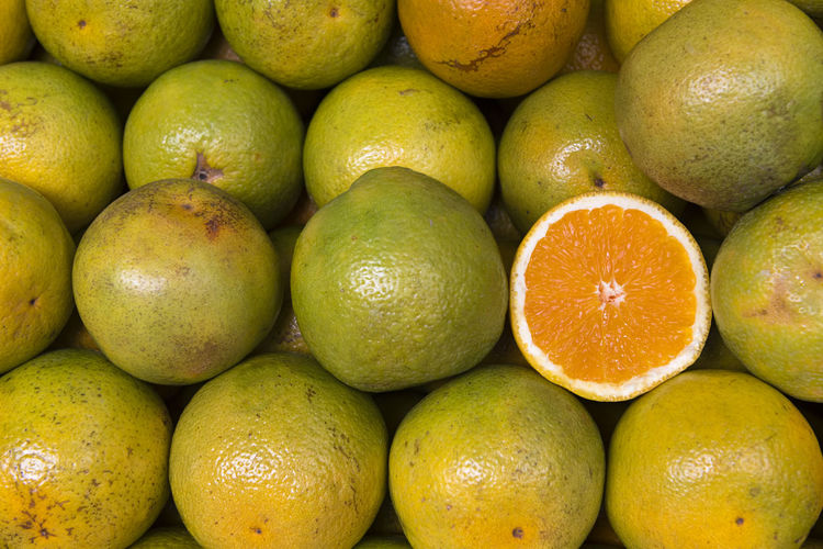 Sweet Oranges Healthy Eating Fruit Food And Drink Food Wellbeing Freshness Full Frame Market Citrus Fruit Ripe Orange Orange Color Orange - Fruit Vitamin C Background Natural Sweet Ripe Fruits Delicious Close-up Juicy Fruits Healthy Diet Organic