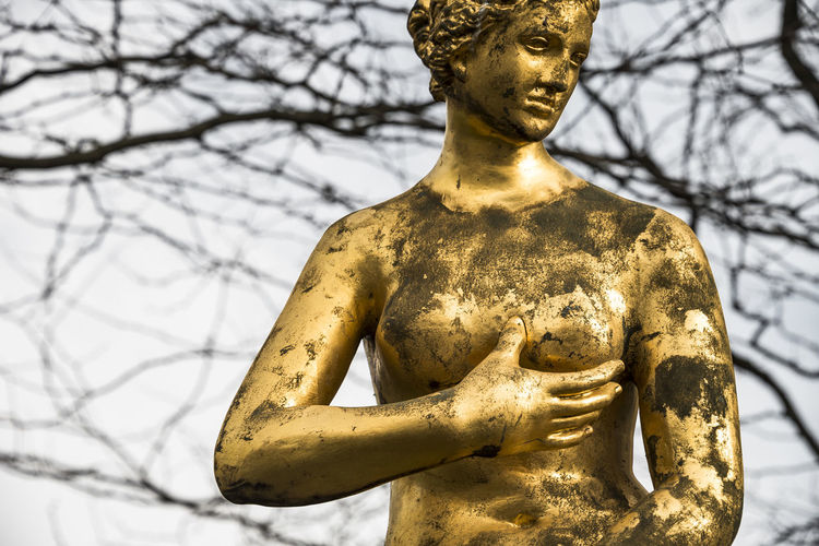 feel. Berlin Colors Gold Golden Potsdamer Platz Sculpture Statue Streetphotography Press For Progress Colour Your Horizn This Is Masculinity