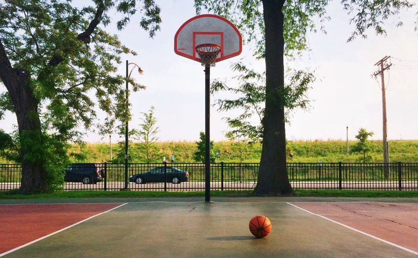 Find that thing that will motivate you to wake up in the morning. Something that you think about before you go to sleep, how you can't wait to do that thing. Basketball Hooping  Sport Good Morning Open Edit Morning Perspectives Chicago Ballin Market Bestsellers November 2016