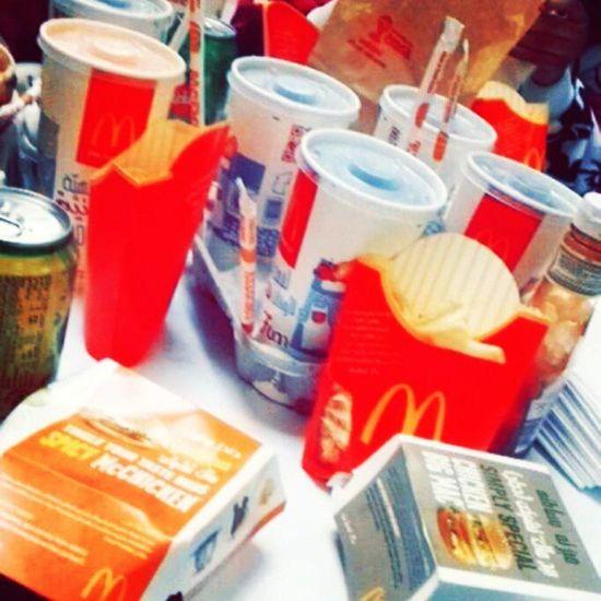 ماك ماكدونالدز مطعم  مطعمي اكلاكليكولاحقيلحآلياحلاليبلعافيه_علي🍟_🍔_🍺