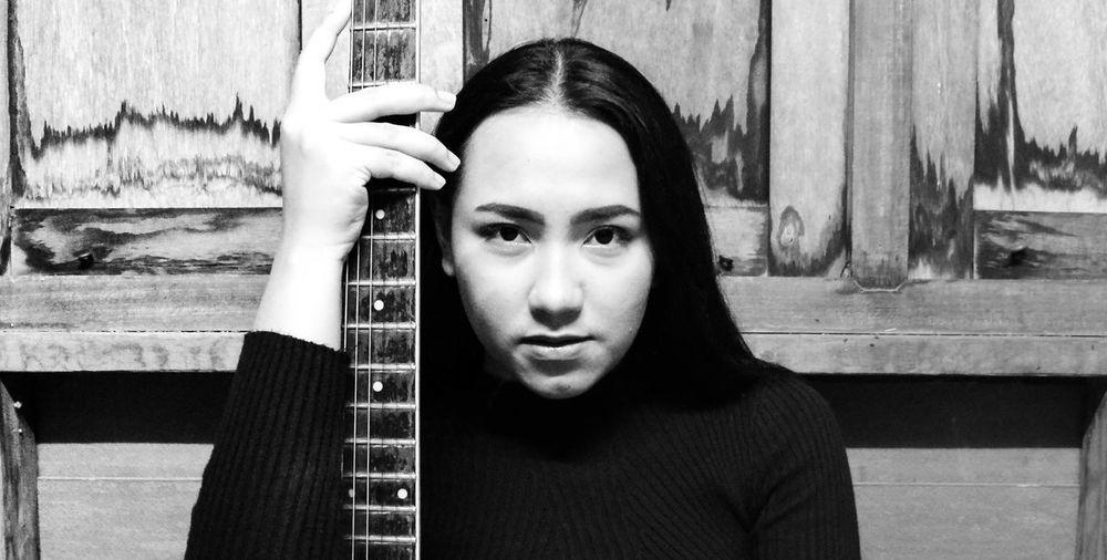 Guitar women rock The Portraitist - 2017 EyeEm Awards