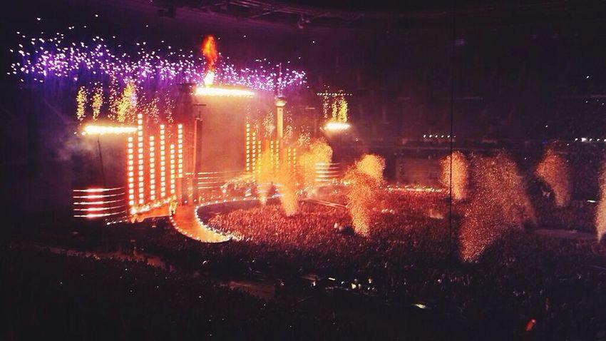 Concert Indochine Hello World Rock