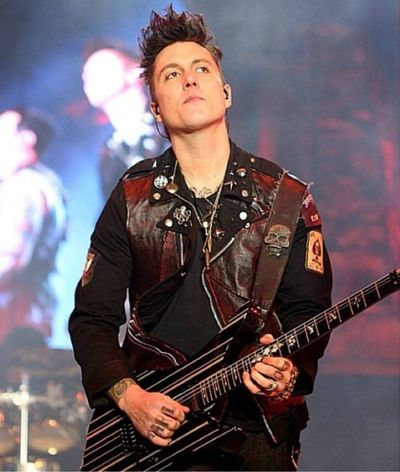 The greatest guitarist in my own world Synyster Gates A7x