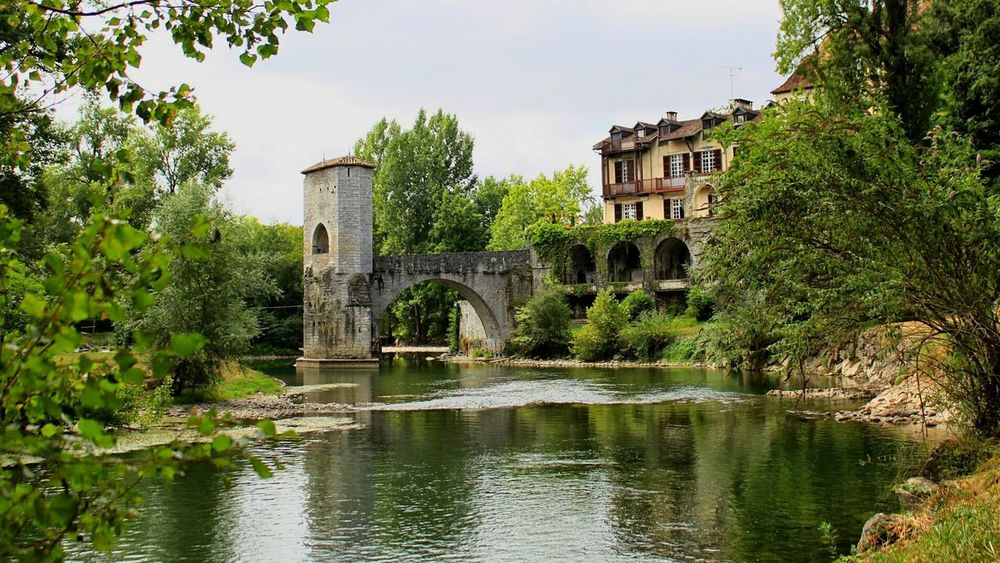 Aquitaine France Francia Sauveterre De Bearn Traveling Travel Photography River Side Village Learn & Shoot: Balancing Elements Learn And Shoot: Balancing Elements The Architect - 2016 EyeEm Awards