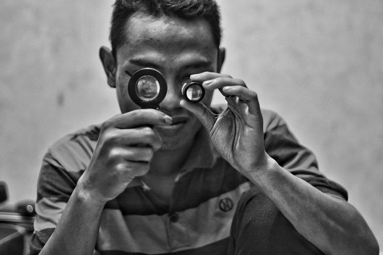 The OO Mission ... Black And White Collection  Indonesian Photographers Collection Home Is Where The Art Is Black And White Photography Indonesia_photography Awesome Blac&white  Blackwhite Black And White Portrait Blackandwhitephoto Black And White Black&white Semarang , Indonesia INDONESIA Black & White Streetphotography Seputarsemarang Blackandwhite Jajan Pasar Monochrome Photography