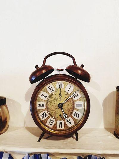 wine o'clock Vintageclock Minute Hand Time Hour Hand Alarm Clock Close-up