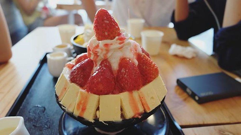 ชุ่ม นุ่ม Tiffydailyfood 딸기빙수