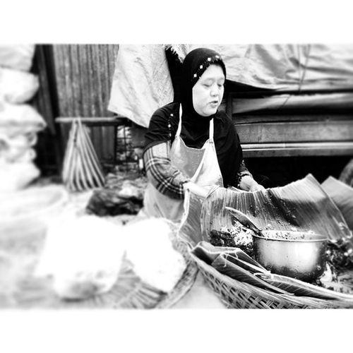 Pedagang pecel ndeso Pasarkadipolo Surakarta INDONESIA
