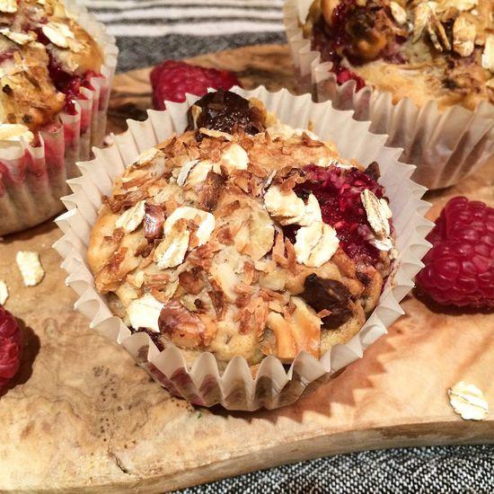 Vegan rhubarb and raspberry muffins. Vegan Vegan Food VeganDessert Dessert Muffin Baking Rhubarb Raspberry