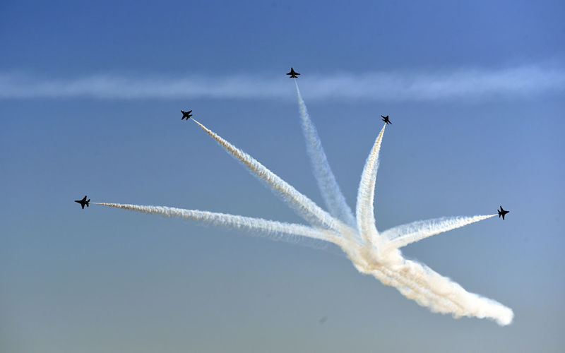 Flying Air Vehicle Sky Airplane Cloud - Sky Airshow Mode Of Transportation on the move Vapor Trail Transportation Low Angle View Plane No People F-16 Fighting Falcon Thunderbirds Contrails Blue Sky Full Frame High Resolution Jets Military Military Airplane Aviation Aviation Photography