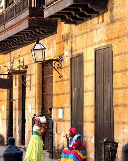 Street Photography Cuba Havana Dress Tourism Tourist Colorful Cigar Streelight