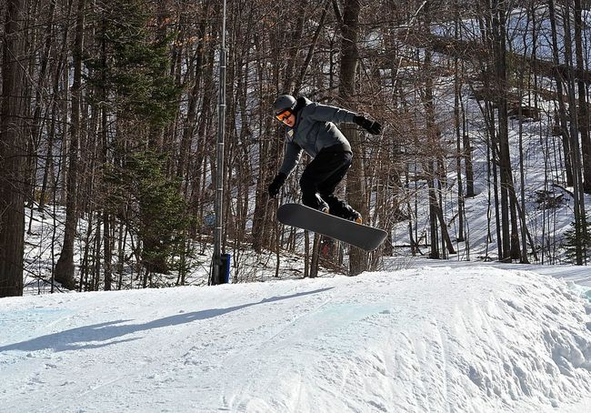 snowboard tricks Action Adult Adults Only Cold Temperature Full Length Jump Men One Man Only One Person Only Men Outdoors People Snow Snow ❄ Sport Tricks Winter