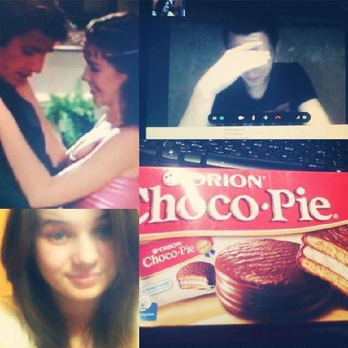 Начало вечера мне нравится))) Разговор с любимым человеком, после любимый сериал и любимые Choco- Pie)))