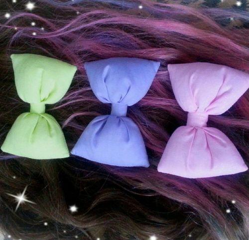 cutest bows ever ♥¤♥ Rainbow Pastel Hair Dyed Hair Hairbow Yellow Pink Purple HairExtensions Pink Hair Purple Hair Brown Hair Alternativehair