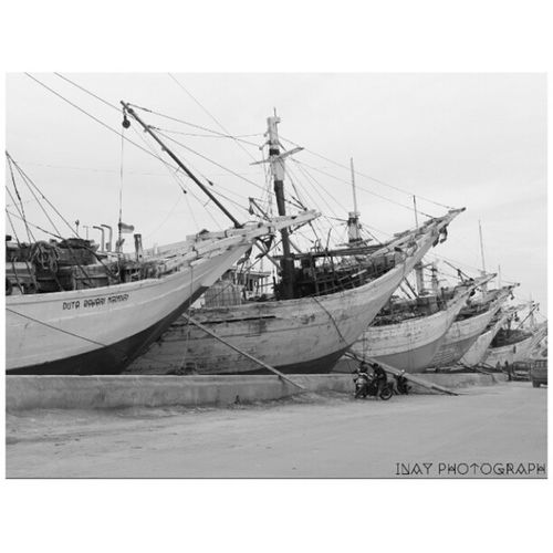 Bigship Blackandwhite Photography Beginner photographer