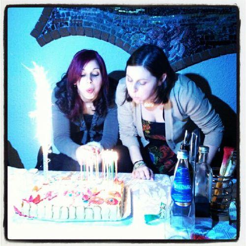Tanti Auguri a Noi Torta candeline ventiquatrro anni festa amici happiness