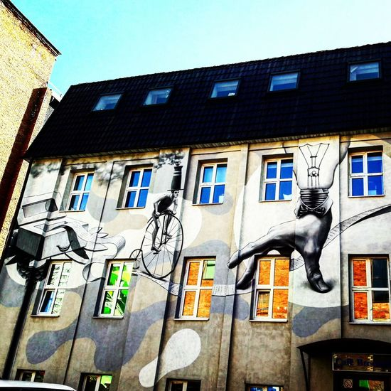 Art Streetphotography Streetart Streetphoto_color Building Architecture Weekend Very Beautiful Veryveryvery Verygood Sumsung ArtWork Building Exterior Window Built Structure Low Angle View Travel Destinations No People Outdoors Clock City Day
