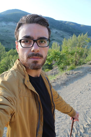 Golet Gunes Human Face Lifestyles Looking At Camera Memleket Sıcak Yaz Young Men