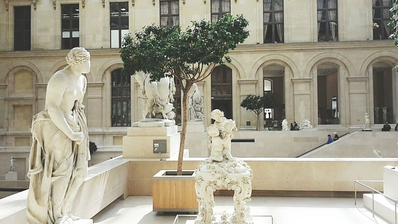 Le Louvre Art Sculpture Sunny Day Trees Collection Peaceful Place Charming Place Hanging Out Museum Paris Mon Amour Girl Friend Enjoying Life