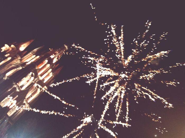 espectáculo nocturno Night Chruch Firework
