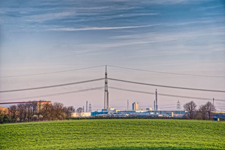 Blick von Meerbusch-Lank nach Krefeld-Stratum. View from Meerbusch-Lank to Krefeld-Stratum. Green Industrial Center Industry Morning Walk Sky Streetphotography