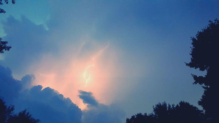 Lightning Storm Lightning Bolt Silhouette Cloud - Sky Sky Trees Rural Scene