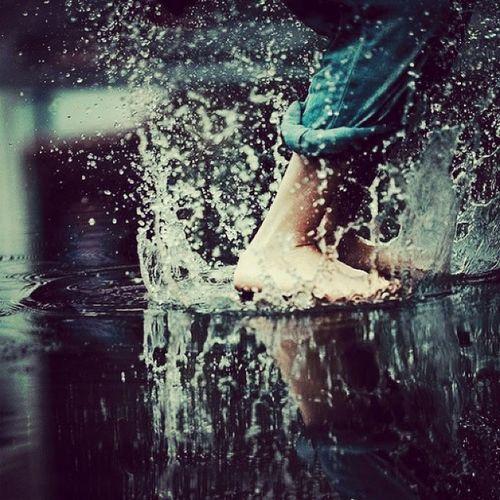 Hoje começa o verão; mas parece que ninguém avisou a chuva disso! ???☔?⚡ Voltasol Verãocomeça Please Backtome