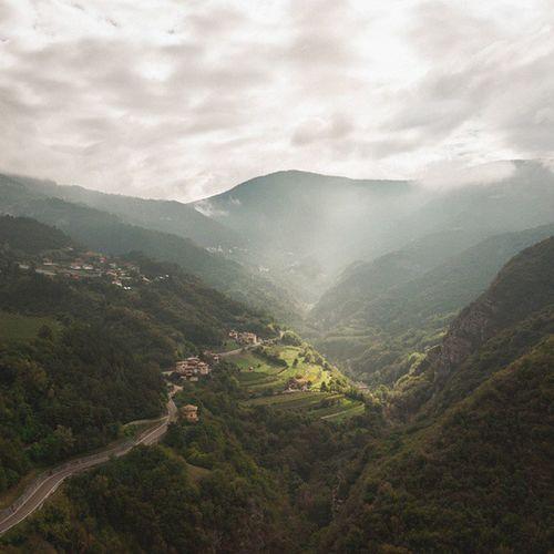 Mytravel Italy Light Landscape green