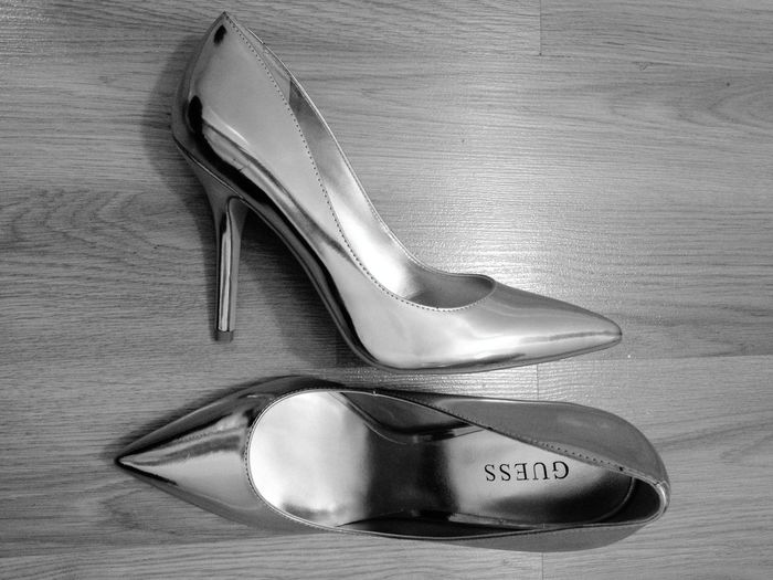 Shoes Heels Pumps Guess Black And White