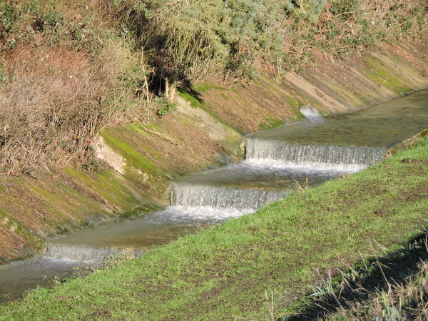Drainage Drainageditch Flowing Flowing Water Outdoors Outflow Stream Water Waterfalls