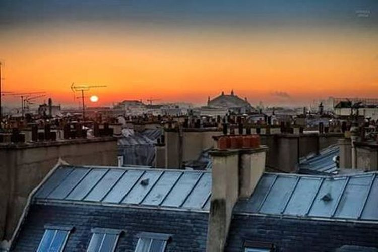 Bonjour Paris 😊 Gianlucacericolaphotography Paris Parisrooftops Roof Parisroof Pictureoftheday Imissyou Instalike Instalove Picoftheday Instagood Niceday Nicepic Thankgoditsfriday Vivalavida Follow Followme Photograph Photo Nicephoto Photographer Parisjetaime