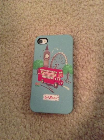 Got a new phone case!<3 I think it's cute(: