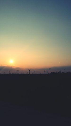 Sun Set Silhouette Landscape WindGenerator ♡