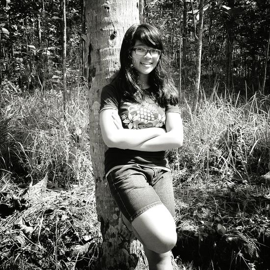 Cheese! Taking Photos Smile :) Little Sister ❤ Eye Em Black & White Happy Nature Relaxing Enjoying Life It's A Thousand Storys Behind This One Smile :)