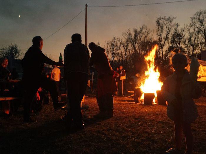 Deseta jubilarna pecenkijada u Slavonskom Brodu, 13.10.2018. Slavonski Brod Pecenkijada Magnumphotos Documentary Burning Fire Fire - Natural Phenomenon Flame Heat - Temperature Group Of People Real People Silhouette