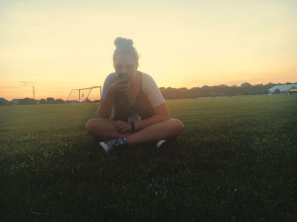 friends Sunset Sitting Field Grass Sky Togetherness Relaxation Leisure Activity Full Length Outdoors Nature Landscape Beauty In Nature Bonding Sunlight Clear Sky Friendship Day People
