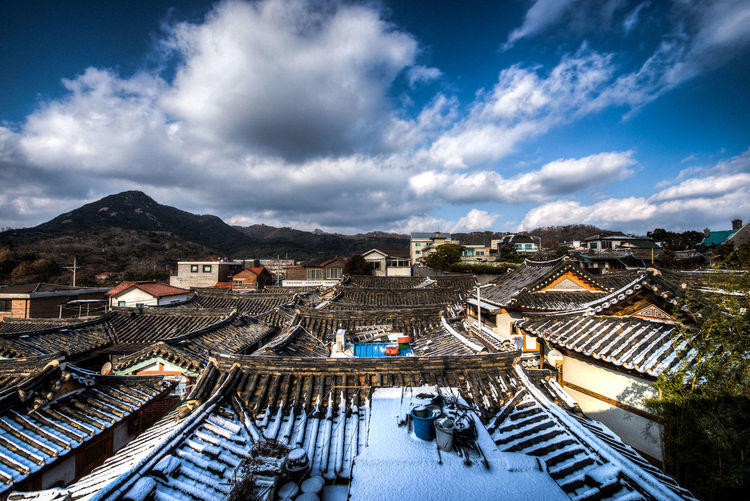 Morning sunrise in Bukchon Hanok Village in Seoul, South Korea Seoul Seoul, Korea SeoulKorea Architecture Bukchon Bukchon Hanok Village Cloud - Sky Hanok Hanok Village 북촌한옥마을 서우봉해변 한옥 first eyeem photo
