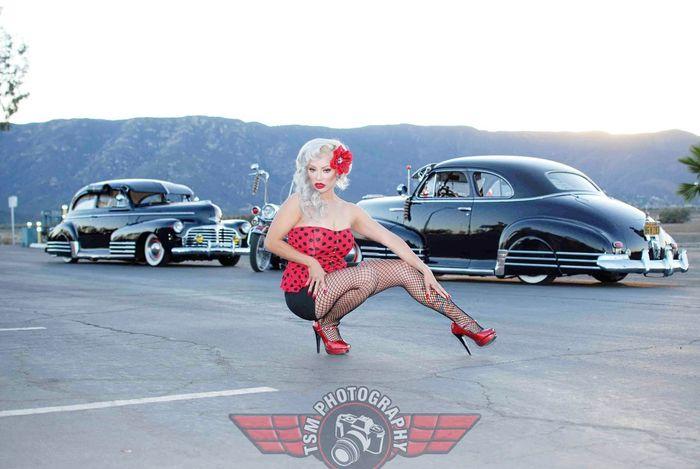 Classic Cars Pinupstyle Oldschool Pinupmodel