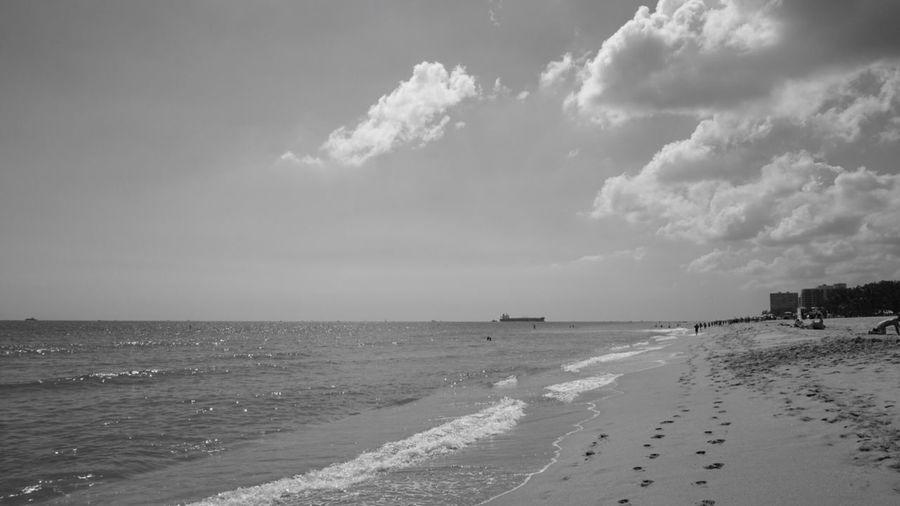 Beach Blackandwhite Nostalgic Landscape Nature Tranquility Miles Miles Miles Horizon Over Water Las Olas Blvd No People Miami