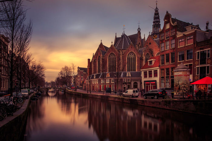 Amsterdam Grachten City River Church Holland The Netherlands Sunset Sunrise Water Reflection Check This Out Long Exposure Light And Shadow Rotlicht Red Light
