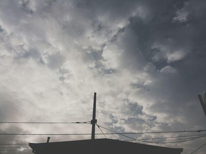 Pretty Nature Cloud Perfect {{el mundo no está como para andar sobreviviendo lo solo}}