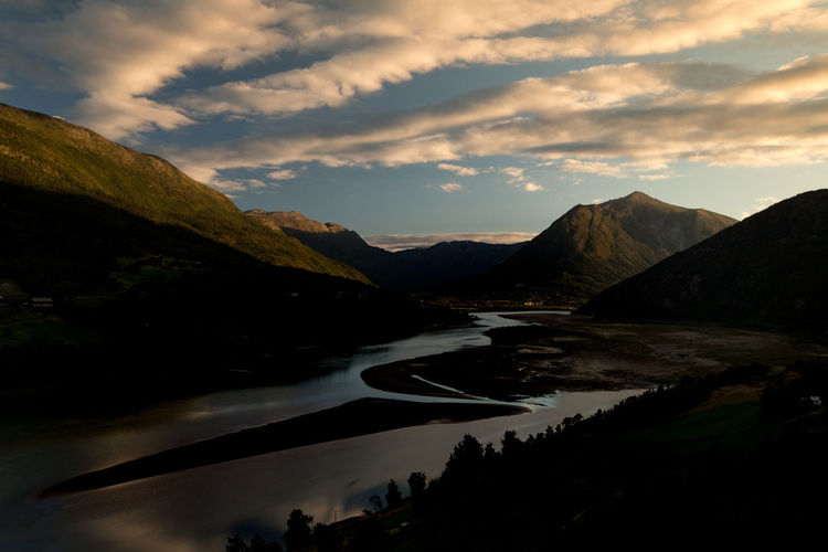 golden valleys of norway Ottadalen Valley Golden Hour Golden Light Golden Valley Norway Nature River Water Mountain Sunset Reflection Sky Mountain Range Landscape Cloud - Sky Dramatic Sky Atmospheric Mood