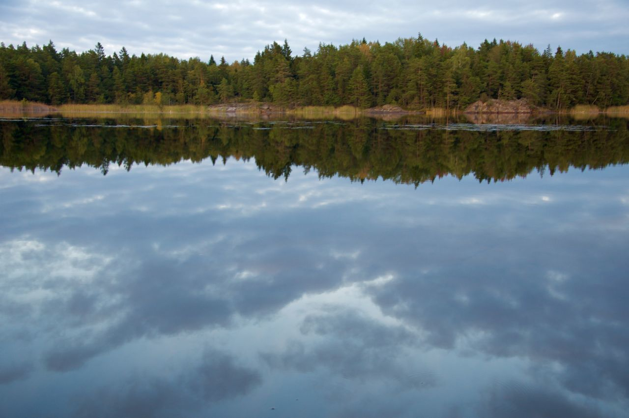 reflection, water, cloud - sky, tranquility, tranquil scene, nature, sky, tree, scenics, beauty in nature, waterfront, outdoors, no people, day, lake, mountain, scenery