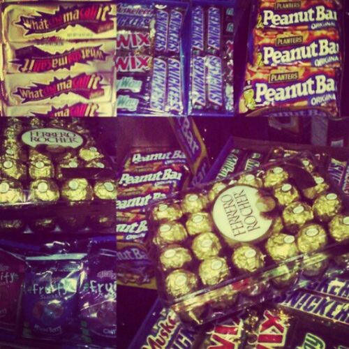 Thank you granny for all of this <3 BoxesOfChocolates BoxesOfLove BoxesOfSweetness Candies Jellies Snickers Almonds MilkyWay 3Musketeers Fruity Strawberry MixedBerry Cherry PlantersPeanutBar Twix FerreroRocher WhatChaMaCallIT