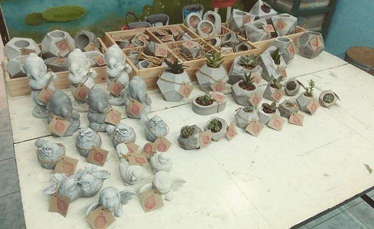 ดิบ-เท่ พร้อมลุยออกตลาด กระถางปูนเปลือย กระถาง กระถางกระบองเพชร หุ่นปูน Loft Design DIY Rustic Cactusthailand Cactusmagazine Cactusclub Cactus Plants Garden Gardening Seculentas Succulent