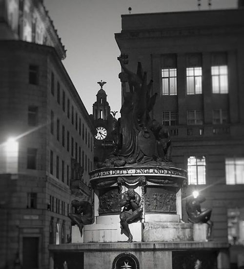 Monument in Exchange Flags, Liverpool with the Liver Building in the background Liverpool Igersmersey Monument Exchangeflags Spotlight Liverbird Liverbuilding  Bnw Rsa_blackandwhite Rsa_bnw Blackandwhitephotography Blackandwhite Top_bnw_photo Bnw_ Amateurs_bnw Blackandwhitephoto Monoart_ Monochrome Rsa_monochrome Rsa_mono Bnw_city_architecture Top_bnw Statue Rsa_bnw_nightshots Bnwnight ig_global_bw bw_lovers bw_photooftheday bnw_zone